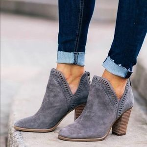 NWT Vince Camuto Reeista grey ankle booties 6